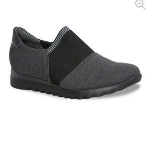 Munro KJ Fabric Slip On Black Grey Comfort 9 Wide